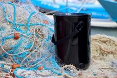 Pri-Skazi-so-odpadnim-ribiskim-mrezam-vdahnili-novo-zivljenje-in-ustvarili-edinstven-kuhinjski-kompostnik-Bokashi-Organko-2-Ocean