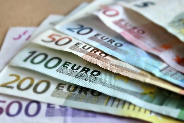 """Italijanska vlada je sprejela zakonska odloka o uvedbi """"državljanskega dohodka"""" in znižanju upokojitvene starosti."""