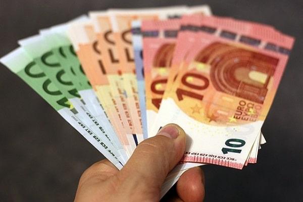Povračilo izgubljenega dohodka – vam pripada 250 EUR?