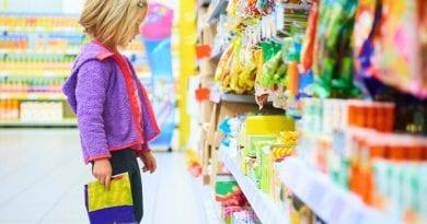Pazite kakšna živila kupujete svojim otrokom, testirali smo 90 živil, večina je neprimernih!