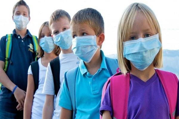 Po Sloveniji zmanjkuje zaščitnih mask!