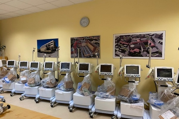 ODLIČNA NOVICA: Splošna bolnišnica Celje prejela 20 dodatnih ventilatorjev za umetno predihavanje pljuč