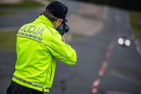 Drugi dan maratona nadzora hitrosti 555 prekoračitev, največ v naseljih, policisti tako v dveh dneh obravnavali 1.082 kršitev