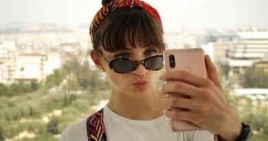 Tretjina deklet ne bi objavila selfija, ne da bi ga izboljšala