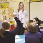 V torek gredo v šole osnovnošolci prve triade in vrtčevski otroci v devetih statističnih regijah