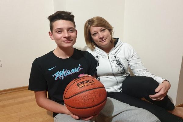 Osnovna šola Nazarje: Dobrodelnega devetošolca Vida pri zbiranju sredstev podprl tudi Spar Slovenija