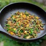 Ličinke na krožniku kot opcija za trajnostno prehranjevanje